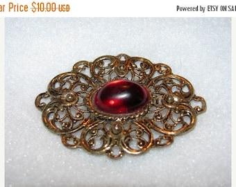 Jewelry 1980's Fillagree Brooch, Simple, Round retro 80's Ruby Red, Ornate classic, 22e