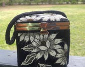 Vintage Style Glass Beaded Small Box Evening / Prom / Bag purse Floral Pattern