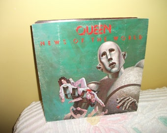 Queen News of the World Vinyl Record album GREAT CONDITION