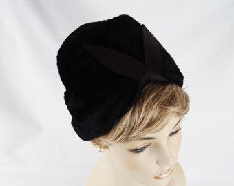 Vintage 1960s Hat Black Faux Fur Cloche by Patrice Sz 22