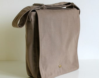 SAMPLE SALE - Minus messenger bag in sand beige