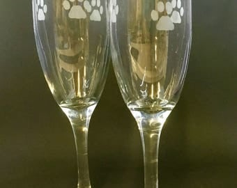 Champagne glasses with paw prints (set of2)