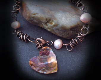 Wire Wrapped Pearl Bracelet - Hammered Copper Heart Bracelet - Wire Wrapped Jewelry Handmade - Copper Bracelet - PATINA HEART BRACELET