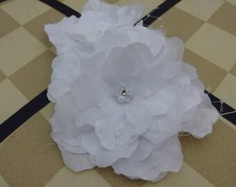 Pure White Bridal Hair Flower - Bridal Hair Clip- Bridal Head Piece - Bridal Fascinator - Bridal Flower Hairclip -Handmade Pure White