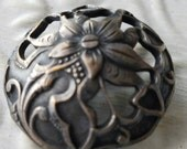Vintage Button-1 extra large floral design  molded metal, dome style  Victorian, pewter  design (feb  321 17)