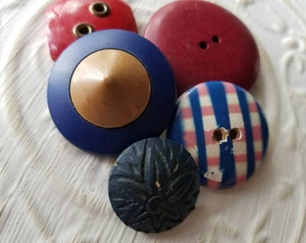 Vintage Buttons -red and blue  mix of celluloid and wood lot of 5 and old and sweet(feb310 17)