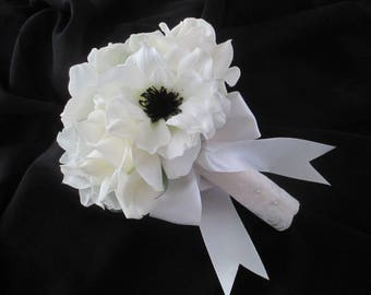 One Sweet Toss Bouquet OR  Bridesmaids wrapped in Ivory lace