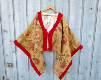 Shabby Chic Floral Kimono Jacket// Cabbage Roses// Large// Festival Duster// Warm Beige Multi Colored// emmevielle