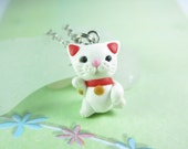 Cat necklace, Maneki neko necklace, cat jewelry, lucky cat necklace, lucky cat charm, cat lover gift, polymer clay, animal white cat gifts