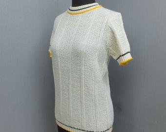 1970s Knit Crew Neck Sweater, Ladies Pull Over Sweater, Turbo Orlon Acrylic,  Medium
