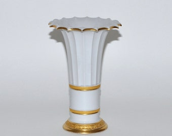 Antique Royal Copenhagen White Porcelain Vase with Gold Gilt by Gustav Friederich Hetsch, circa 1800