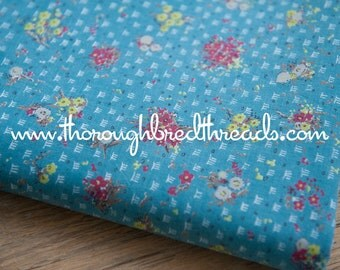 """Colorful Lil Floral  - Vintage Fabric New Old Stock Garden Daisies 35"""" wide"""