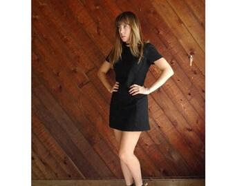 25% off Flash Sale . . . 90s Black Wool Mini Shift Dress - Vintage - XS Petite