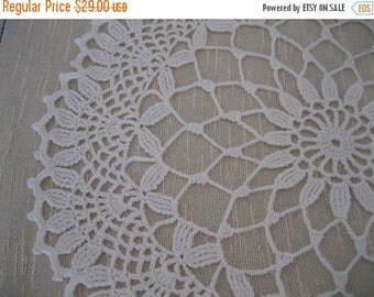 holiday sale Gorgeous handmade doily, white, ready to mail, home fashion