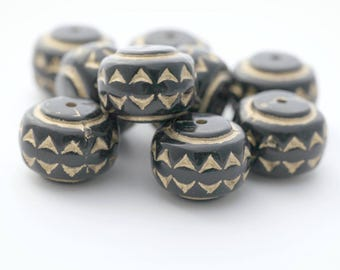 Black Gold Etched Saucer Beads Carved Ornate 18mm (8)