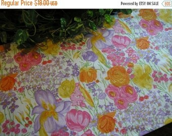 ON SALE Table Runner Blooming Floral Explosion Padded