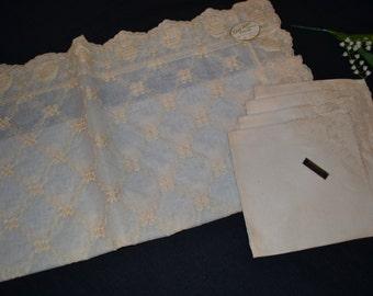 Vintage Tablecloth & Napkins 1950's Kay Walt