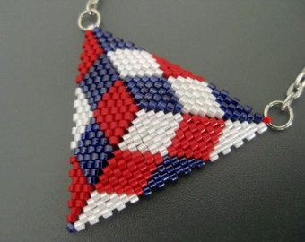 Independence Day Necklace / Peyote Triangle Pendant / July 4th Necklace / Beaded Pendant in Red, White and Blue /  Seed Bead Pendant /