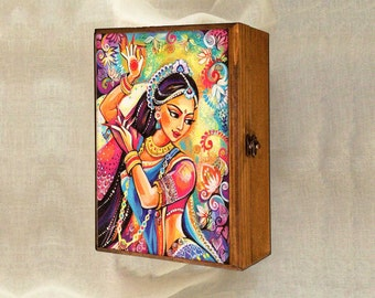Bollywood dance, Indian woman, Indian decor, Indian woman art art box, wooden gift box, treasure box, jewelry box, 7x10