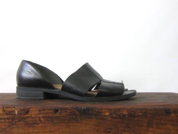 90s Minimal Black Sandals Leather Band Slides Slip On Leather Flats Vintage GS Modern Peep Toes Summer Fashion Sandals Women's Size 6