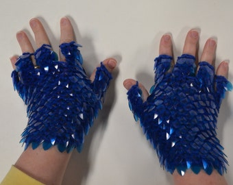 Scalemail Gauntlets knitted Dragonhide Armor Custom for C. with half fingers