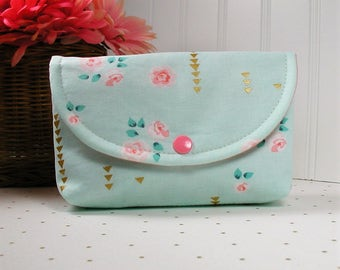 Snap Pouch, Large Snap Pouch, Cosmetic Pouch ... Brambleberry Ridge / Rosemilk in Mint