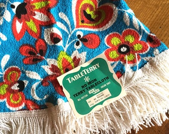 NOS NWT Sun Glo TableTerry 1960's Round Groovy Tablecloth! -  Hearts and Flowers All Cotton 60""