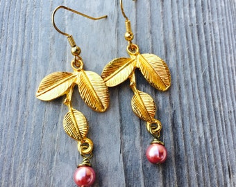 Pink Pearl Earrings. Gold Leaf Earrings. Handmade Beaded Leaf Charm Earrings.  Wire Wrapped Pearl Dangle Earrings. Pink and Gold Jewelry.