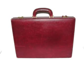 Authentic Vintage Gucci Oxblood Leather Attache Briefcase with dust cover and keys