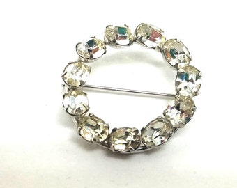 Bright Sparkling Oval Rhinestones Circle Pin Brooch Vintage