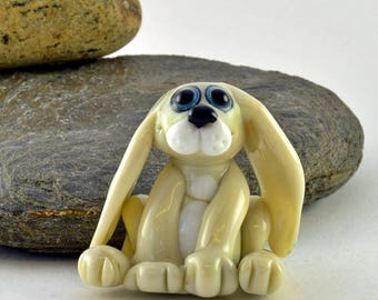 Little Hare Glass Sculpture Collectible, Focal Bead, Izzybeads SRA