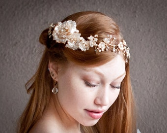 Bridal hair crown, Pearl and gold wedding flower hair halo, Ivory Pearl and crystal Gold wire branches Wire wrapped beaded wedding hair vine