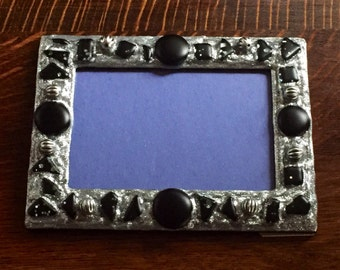 Black & Silver Picture Frame (holds a 4 x 6 photograph)