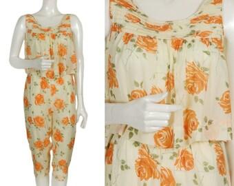 vintage 50s zesty yellow orange rose print pajama pjs, sleeveless bib pleat top + high waist capri knicker bottoms, innocent + flirty size S