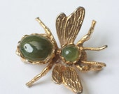 Happy New Year 2017 Sale Imitation Jade Insect Fly Bee Pin Brooch Gold Tone Figural Vintage