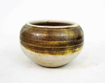 Vintage Mid Century Pottery Bowl in Earth Tones. Circa 1960's.