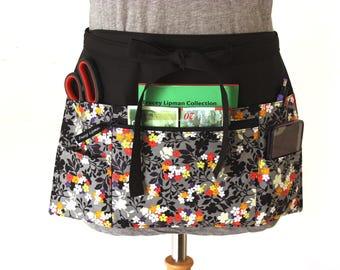 Teacher Apron - half apron - Waitress apron - Vendor apron - zipper pocket - utility apron - waist apron - money apron - craft show apron