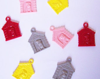 10 Doghouse Charms