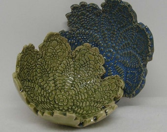 Duo of Blue and Green Doily Impressed Shallow Bowls