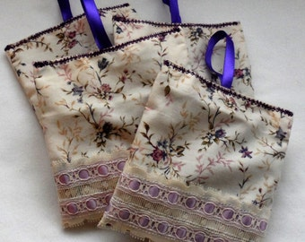 4 HANGING Organic French Lavender Buds Sachets/100% Vintage Cotton Fabric N Lace Hanging Fresh Lavender Sachets/4 Drawers, Cupboards,Luggage