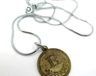 vintage  R  alphabet pendant necklace