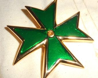 Maltese Cross Elegant Emerald  Green Enamel And Gold Tone Metal  Heraldic Jewelry