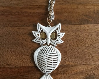 SALE 70s White Owl Necklace