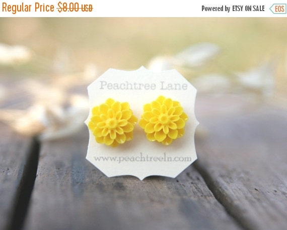CHRISTMAS SALE Bright Yellow Chrysanthemum Flower Earrings // Bridesmaid Gifts // Maid of Honor Gifts // Vintage Country Wedding