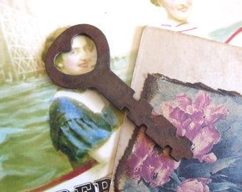 Vintage heart key Antique heart key Old heart key Key to my heart Sweetheart key Valentines Day key Brides key Skeleton heart key HK #24