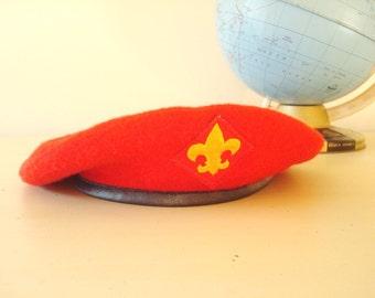 1970s red beret, Boy Scouts Leadership Corps hat, size L, fleur de lis insignia, excellent condition, authentic BSA headwear