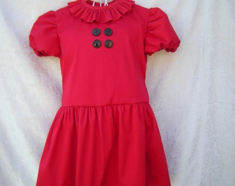 Girls dress inspired by Lucy Van Pelt dress from the comics Charlie goes Christmas