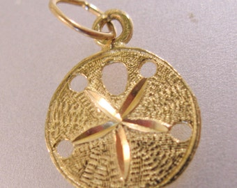 14KT Gold Sand Dollar Sea Shell Charm Signed DZ Vintage Jewelry Jewellery