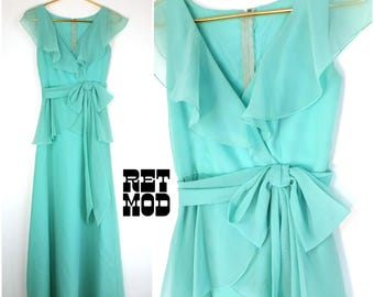 Beautiful Vintage 70s Spring Mint Green Flowy Long Party Dress with Flutter Sleeves and Bow!