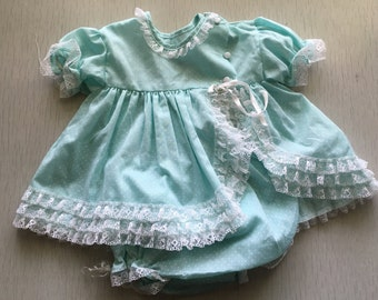 Vintage infant girls aquamarine 2-pc diaper shirt and bloomers set 9m